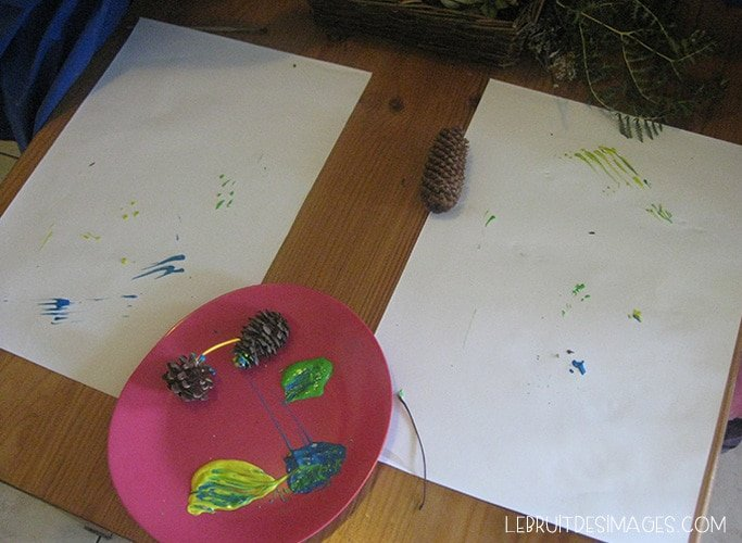 Peindre avec des éléments de la nature : installation de l'atelier